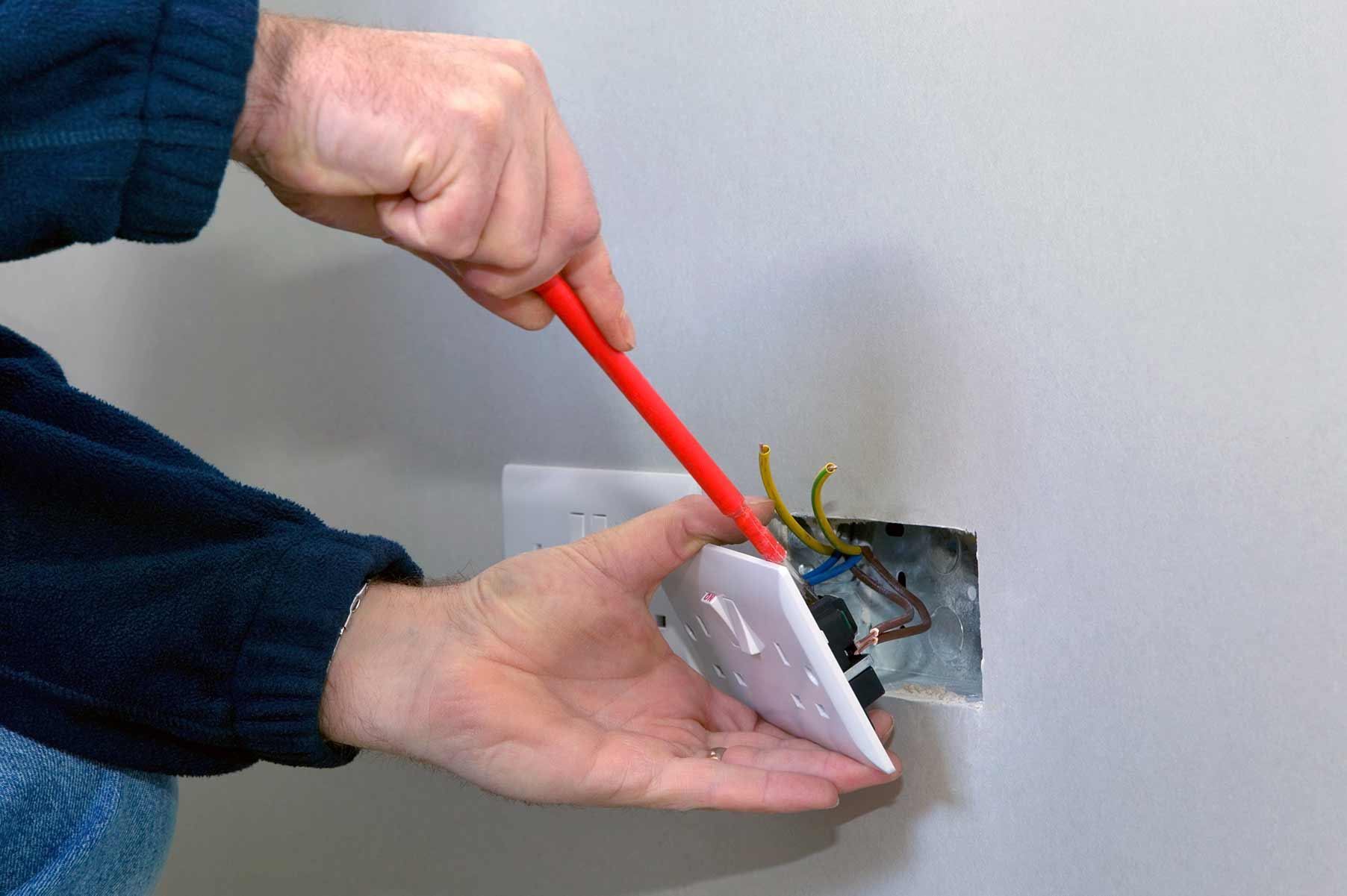 Our electricians can install plug sockets for domestic and commercial proeprties in Romford and the local area.